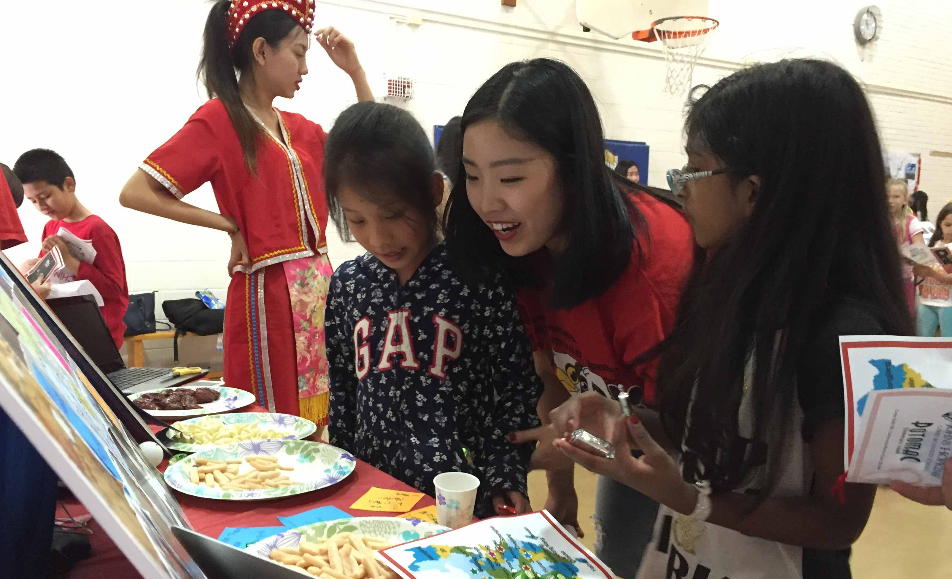 Students host Chinese Expo