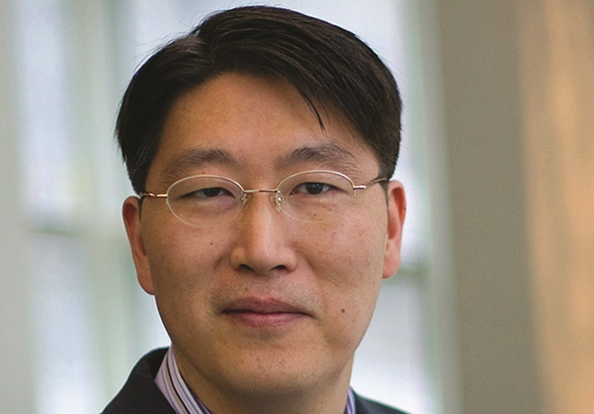 BizEd Notes C. Kim Study on Link Between American Dream, Impulse Spending image